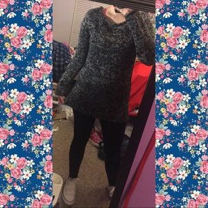 🖤Forever 21 black and grey knit sweater🖤